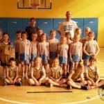 Foto - zespół koszykarek SP7 z rywalkami