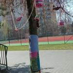 """Foto do akcji """"Ubierz drzewo na wiosnę"""""""
